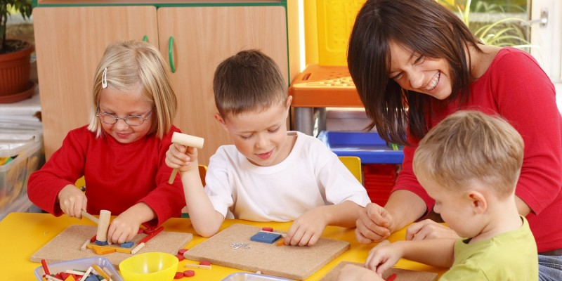 Kinder in der FeWo am Spielen